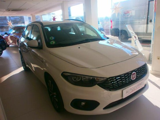 Fiat Tipo Station Wagon SW 1.4 T-JET LPG LOUNGE 5P